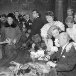 Heidi Kabel mit Henry Vahl bei einer Autogrammstunde